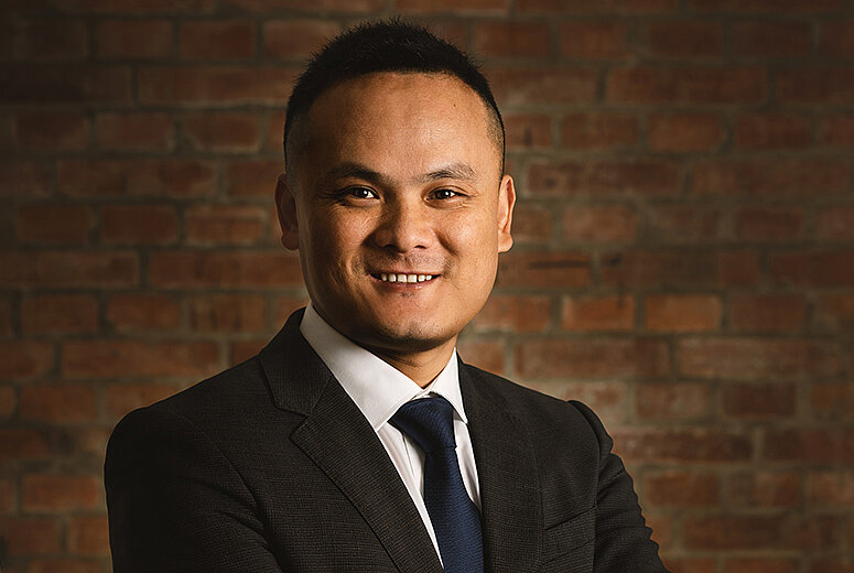 Robart China, Vice President Jusitn Lee